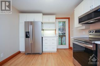 Photo 13: 70 PARK AVENUE in Ottawa: House for rent : MLS®# 1256103