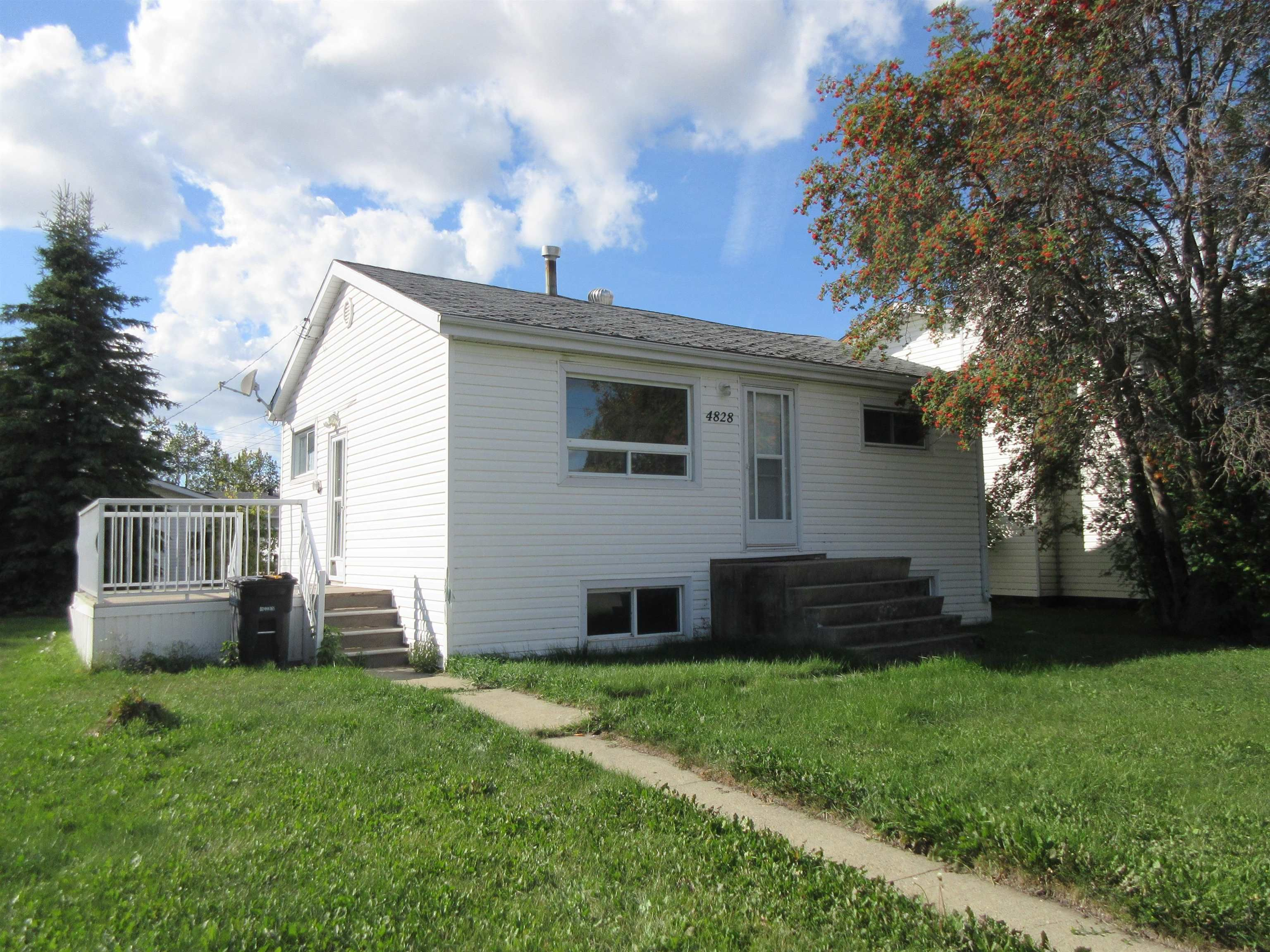 Main Photo: 4828 54 Street: Redwater House for sale : MLS®# E4262434