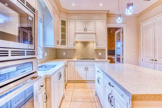 """Photo 8: 4146 GILPIN Crescent in Burnaby: Garden Village House for sale in """"GARDEN VILLAGE"""" (Burnaby South)  : MLS®# R2424746"""