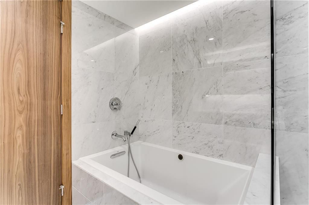 Photo 26: Photos: 607 738 1 Avenue SW in Calgary: Eau Claire Apartment for sale : MLS®# C4272230
