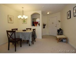 Photo 17: 301 1580 Christmas Ave in VICTORIA: SE Mt Tolmie Condo for sale (Saanich East)  : MLS®# 489978