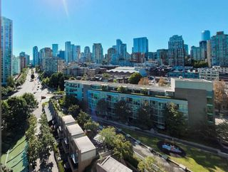 """Photo 4: 1602 1009 EXPO Boulevard in Vancouver: Yaletown Condo for sale in """"Landmark 33"""" (Vancouver West)  : MLS®# R2593362"""