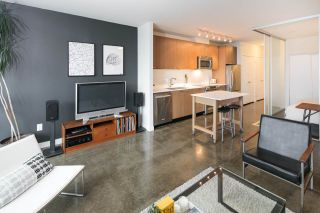 """Photo 3: 405 221 UNION Street in Vancouver: Mount Pleasant VE Condo for sale in """"V6A"""" (Vancouver East)  : MLS®# R2115784"""