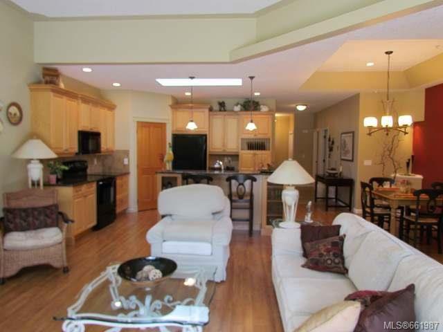 Photo 5: Photos: 5285 Nelsonwoods Pl in NANAIMO: Na North Nanaimo Row/Townhouse for sale (Nanaimo)  : MLS®# 661987
