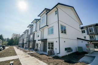 Photo 2: 26 5867 129 Street in Surrey: Panorama Ridge Townhouse for sale : MLS®# R2228487