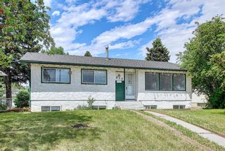 Photo 1: 835 Forest Place SE in Calgary: Forest Heights Detached for sale : MLS®# A1120545