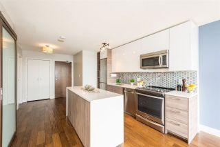 """Photo 3: 1610 550 TAYLOR Street in Vancouver: Downtown VW Condo for sale in """"The Taylor"""" (Vancouver West)  : MLS®# R2251836"""