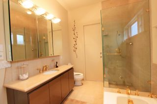 Photo 9: 1209 CLYDE Avenue in West Vancouver: Ambleside House for sale : MLS®# R2545033
