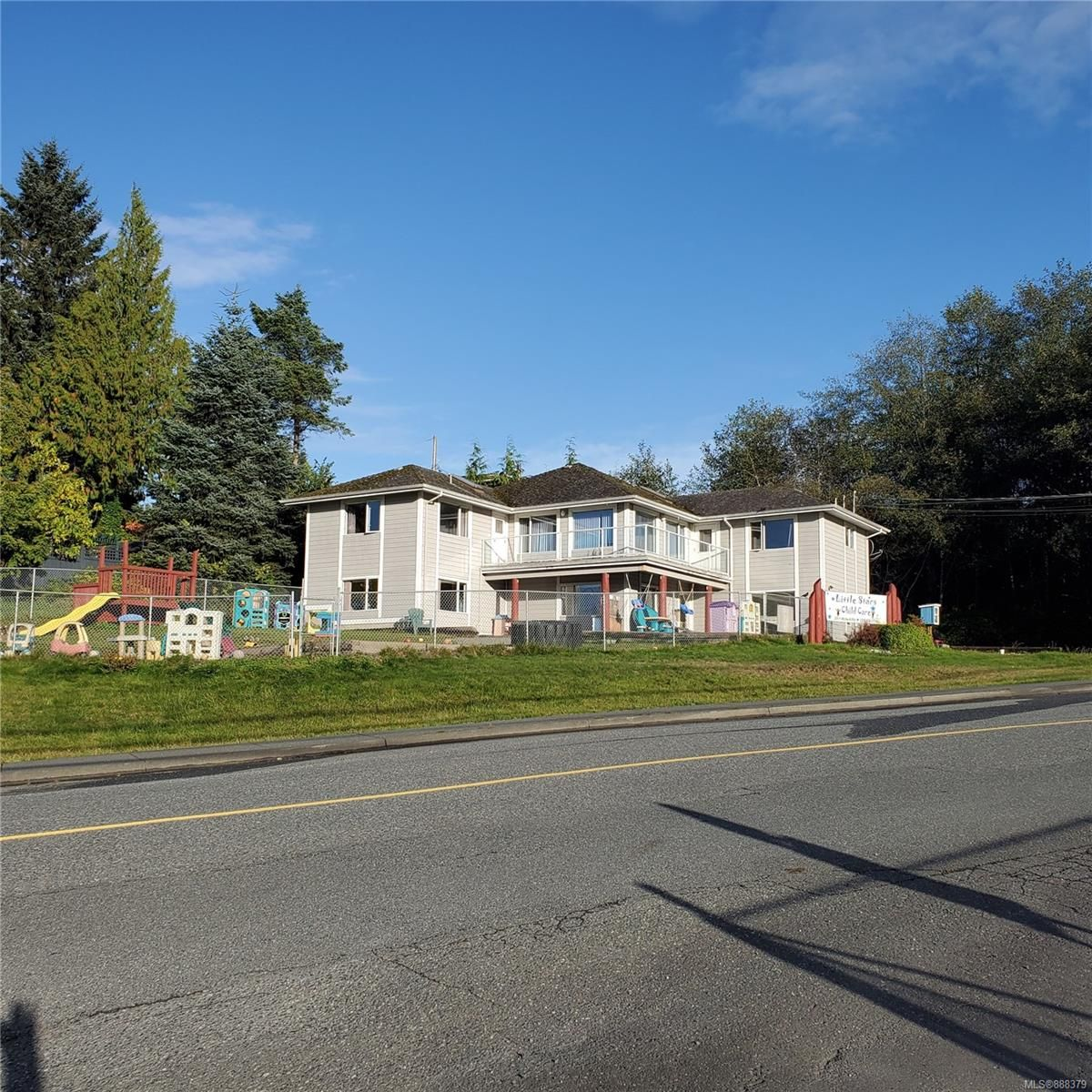 Main Photo: 2011 McNeill Rd in Port McNeill: NI Port McNeill Mixed Use for sale (North Island)  : MLS®# 888379