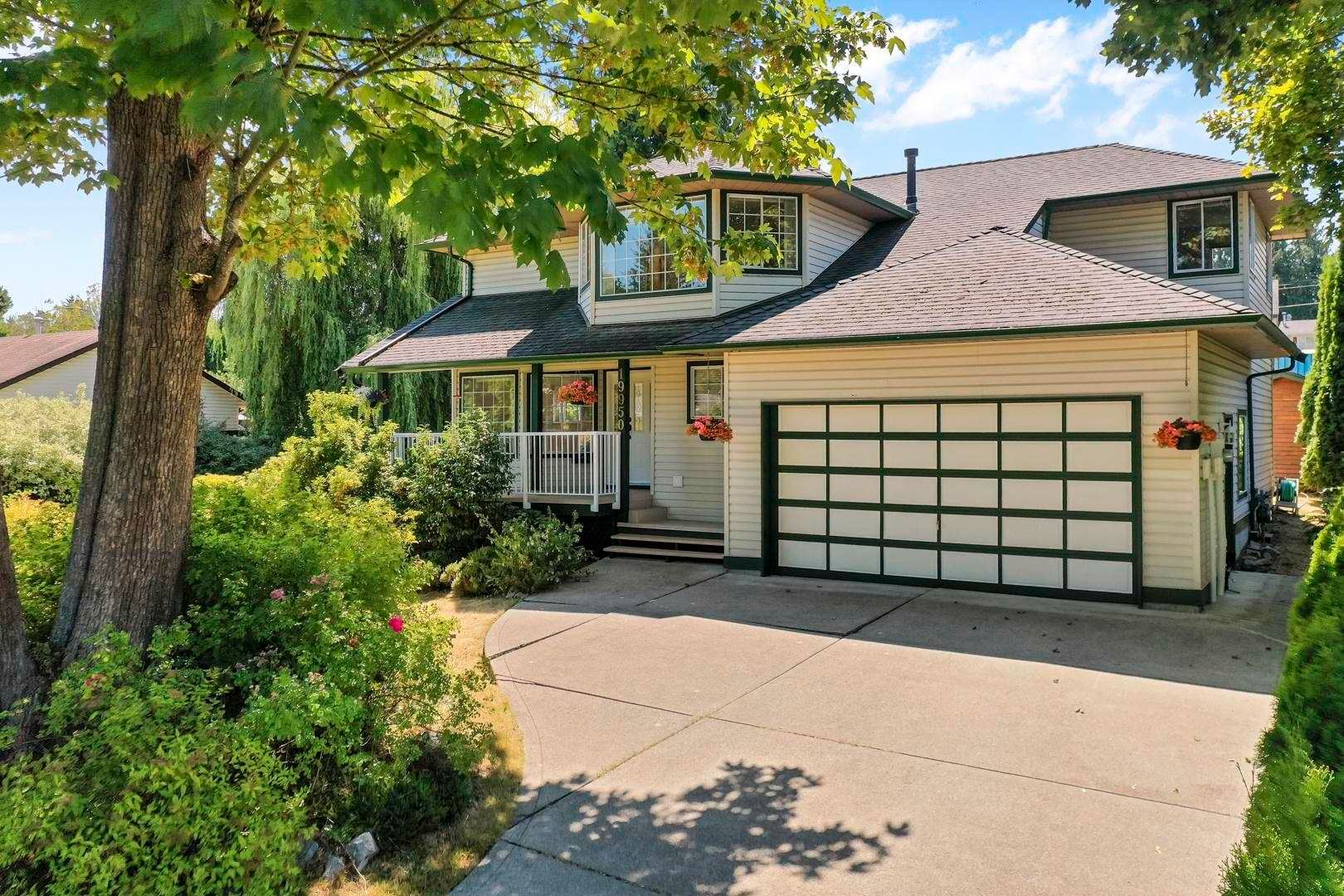 Main Photo: 19950 48A Avenue in Langley: Langley City House for sale : MLS®# R2606185