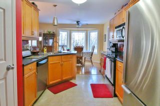 Photo 2: 103 Ayashawath Crescent in Buffalo Point: R17 Residential for sale : MLS®# 1930173