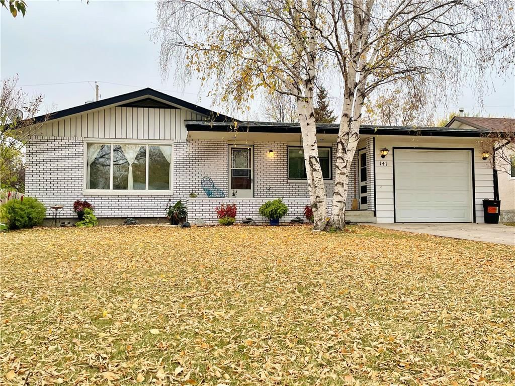 Main Photo: 141 Fifth Street S in Beausejour: House for sale : MLS®# 202124316