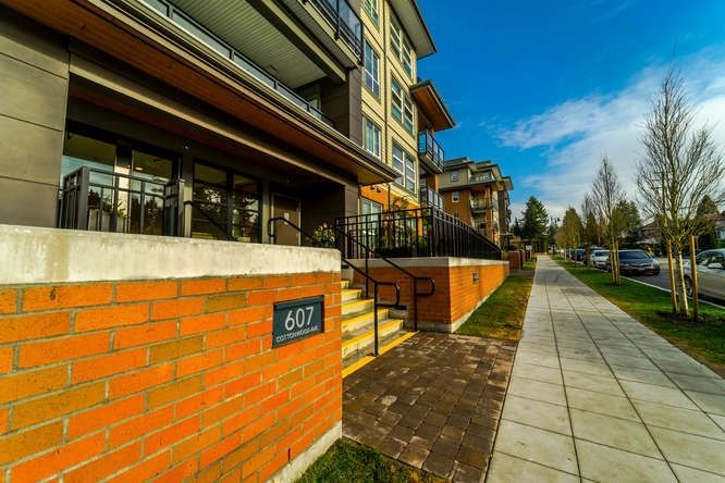 "Main Photo: 206 607 COTTONWOOD Avenue in Coquitlam: Coquitlam West Condo for sale in ""STANTON HOUSE BY POLYGON"" : MLS®# R2243210"