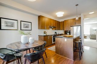 """Photo 8: 26 2738 158 Street in Surrey: Grandview Surrey Townhouse for sale in """"CATHEDRAL GROVE"""" (South Surrey White Rock)  : MLS®# R2442123"""