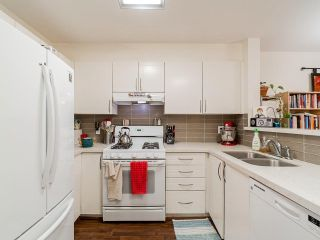 """Photo 6: 109 688 E 16TH Avenue in Vancouver: Fraser VE Condo for sale in """"Vintage Eastside"""" (Vancouver East)  : MLS®# R2586848"""