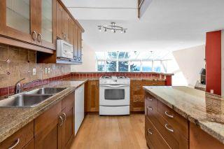 "Photo 10: 15089 VICTORIA Avenue: White Rock House for sale in ""White Rock hillside"" (South Surrey White Rock)  : MLS®# R2591691"