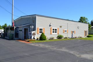 Photo 1: 12 Queen Street in Springhill: 102S-South Of Hwy 104, Parrsboro and area Residential for sale (Northern Region)  : MLS®# 202116247