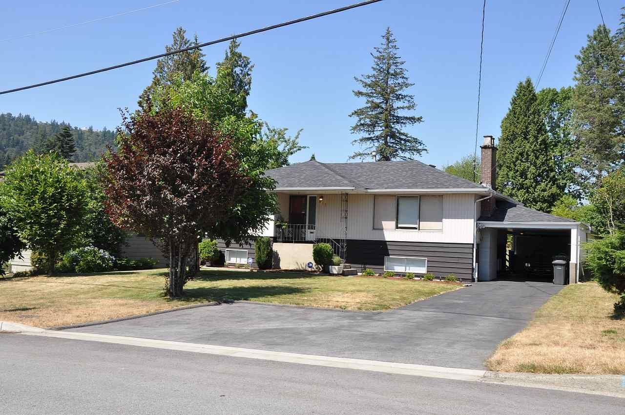 Main Photo: 611 CHAPMAN Avenue in Coquitlam: Coquitlam West House for sale : MLS®# R2295913
