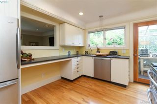 Photo 11: 1824 Chandler Ave in VICTORIA: Vi Fairfield East House for sale (Victoria)  : MLS®# 820459