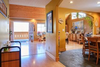 Photo 4: 426 GOWER POINT Road in Gibsons: Gibsons & Area House for sale (Sunshine Coast)  : MLS®# R2563256