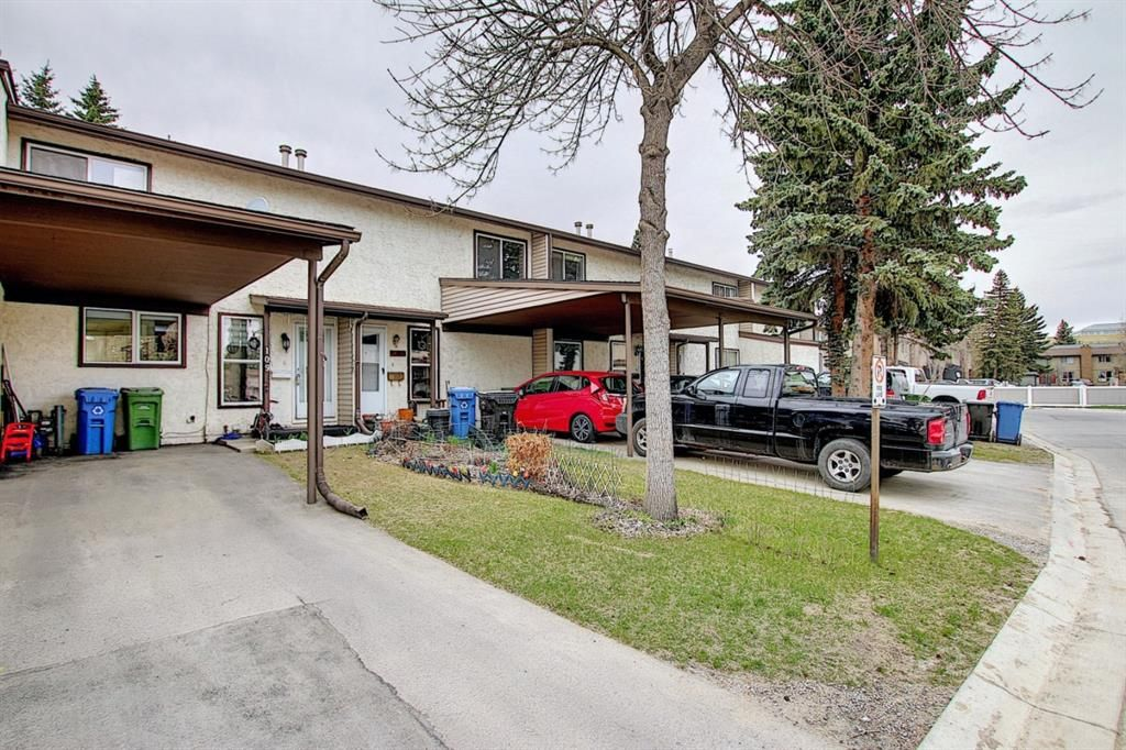 Main Photo: 109 9930 Bonaventure Drive SE in Calgary: Willow Park Row/Townhouse for sale : MLS®# A1101670