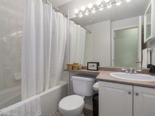 """Photo 13: 301 2755 MAPLE Street in Vancouver: Kitsilano Condo for sale in """"THE DAVENPORT"""" (Vancouver West)  : MLS®# R2122011"""