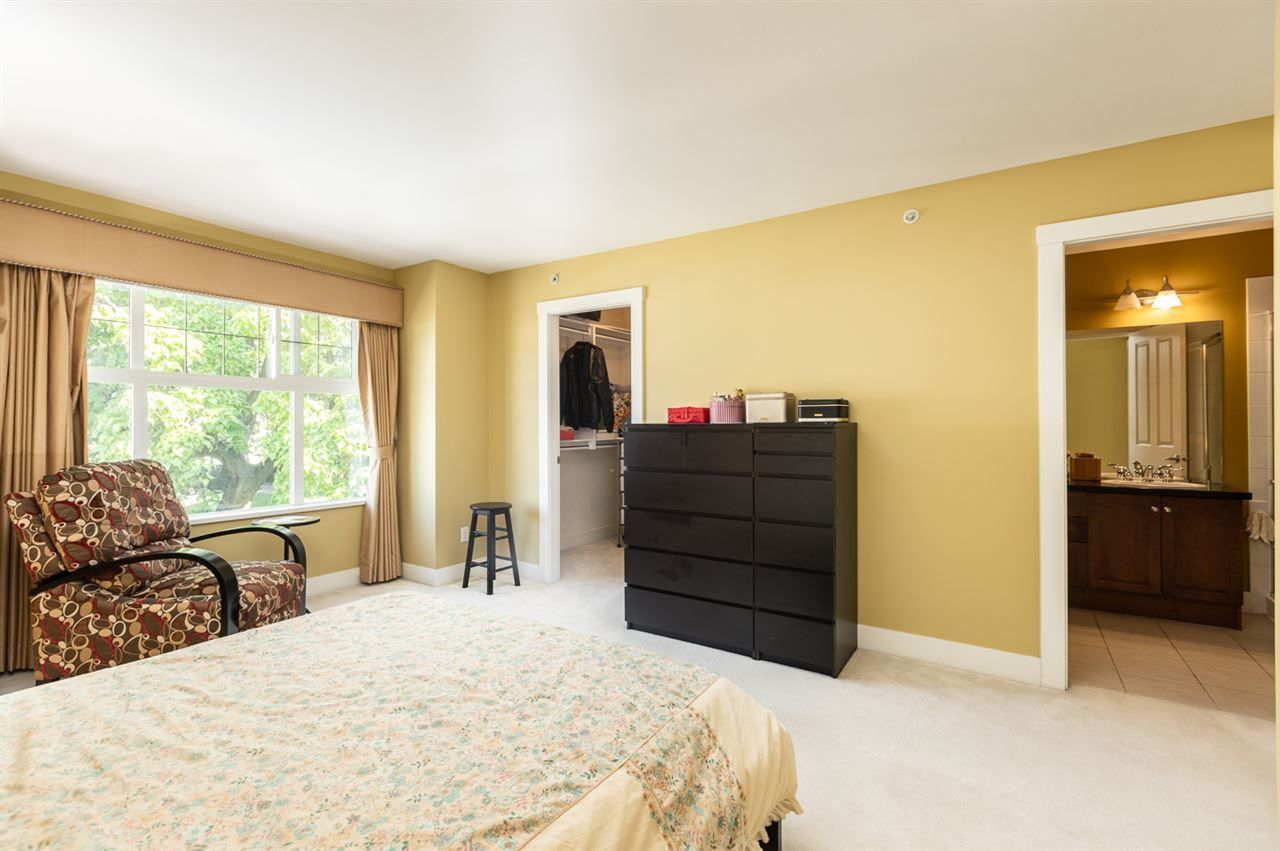 """Photo 17: Photos: 971 WESTBURY Walk in Vancouver: South Cambie Townhouse for sale in """"Churchill Gardens"""" (Vancouver West)  : MLS®# R2488294"""