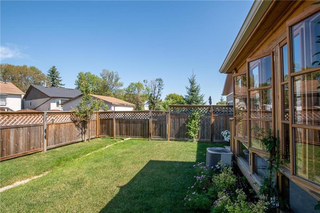 Photo 21: Photos: 2 80 Sandrington Drive in Winnipeg: Condominium for sale (2E)  : MLS®# 202021038