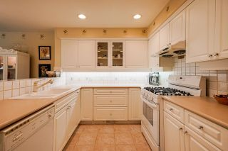 """Photo 18: 4 3405 PLATEAU Boulevard in Coquitlam: Westwood Plateau Townhouse for sale in """"Pinnacle Ridge"""" : MLS®# R2603190"""