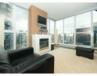 """Photo 2: 1199 SEYMOUR Street in Vancouver: Downtown VW Condo for sale in """"BRAVA"""" (Vancouver West)  : MLS®# V625814"""