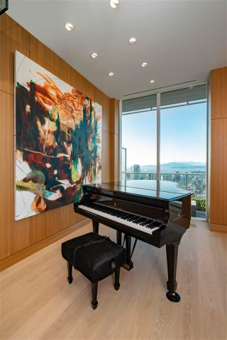 """Photo 18: PH3 777 RICHARDS Street in Vancouver: Downtown VW Condo for sale in """"Telus Garden"""" (Vancouver West)  : MLS®# R2589963"""