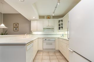 "Photo 8: 2 2979 PANORAMA Drive in Coquitlam: Westwood Plateau Townhouse for sale in ""DEERCREST"" : MLS®# R2532510"