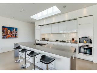 """Photo 4: 604 12 WATER Street in Vancouver: Downtown VW Condo for sale in """"WATER STREET GARAGE"""" (Vancouver West)  : MLS®# V1119497"""