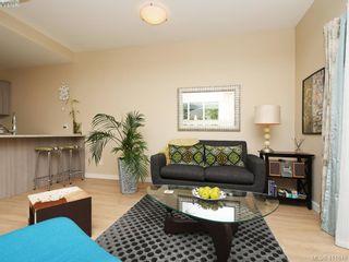 Photo 2: 1 1680 Ryan St in VICTORIA: Vi Oaklands Condo for sale (Victoria)  : MLS®# 816073