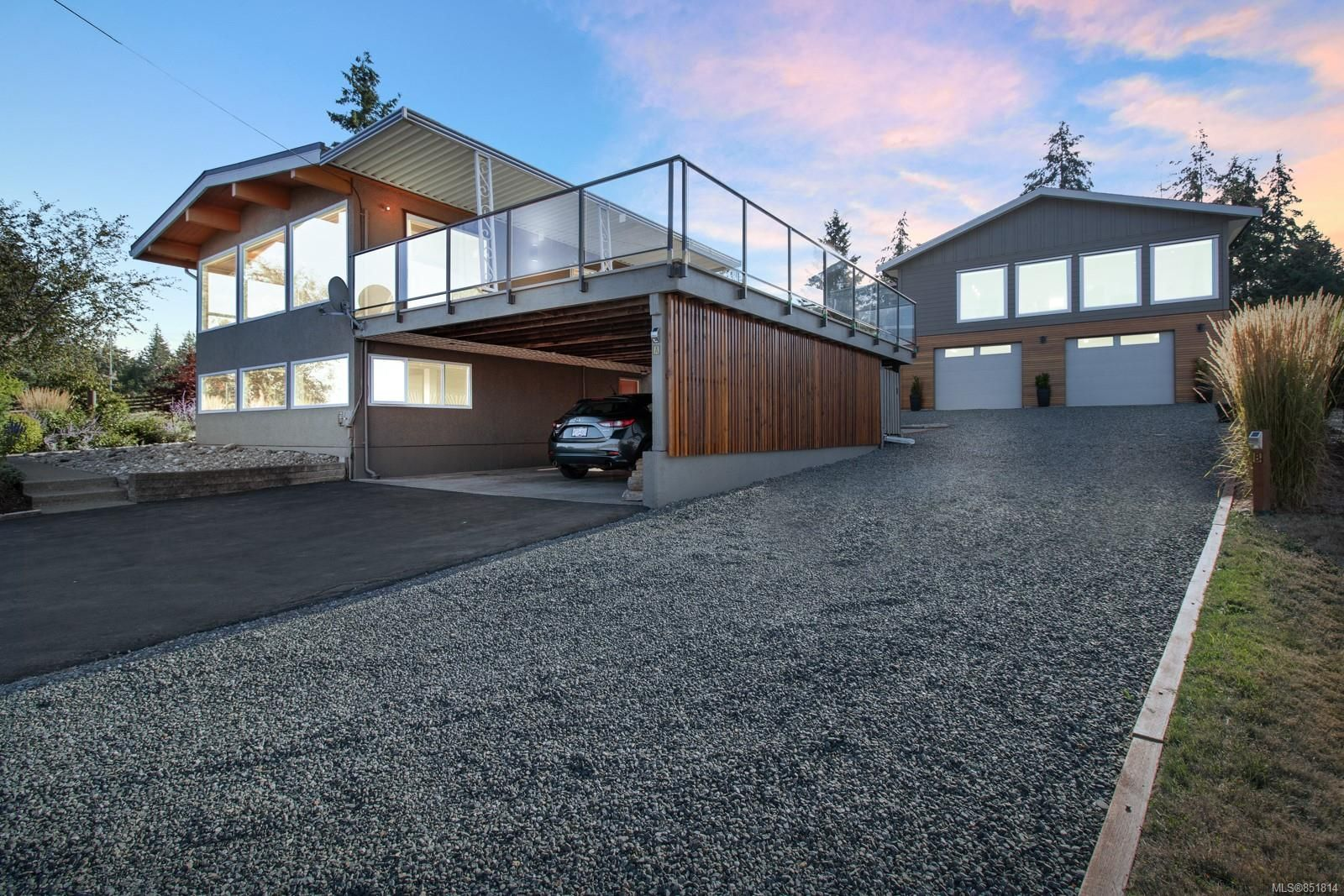 Photo 2: Photos: 191 Muschamp Rd in : CV Union Bay/Fanny Bay House for sale (Comox Valley)  : MLS®# 851814
