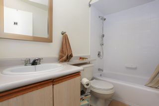 "Photo 12: 209 711 E 6TH Avenue in Vancouver: Mount Pleasant VE Condo for sale in ""PICASSO"" (Vancouver East)  : MLS®# V1004453"