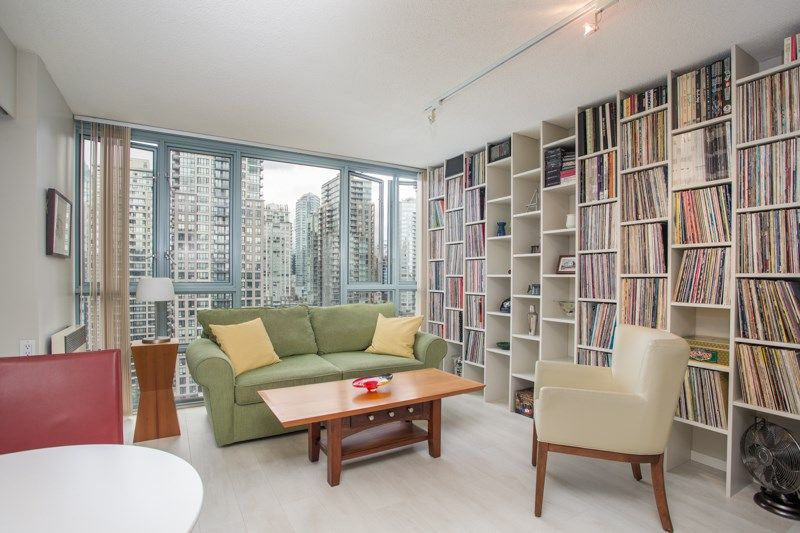 """Main Photo: 2205 930 CAMBIE Street in Vancouver: Yaletown Condo for sale in """"Pacific Place Landmark II"""" (Vancouver West)  : MLS®# R2394764"""