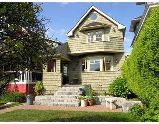 Photo 1: 236 W 5TH ST in North Vancouver: Lower Lonsdale House for sale : MLS®# V537889