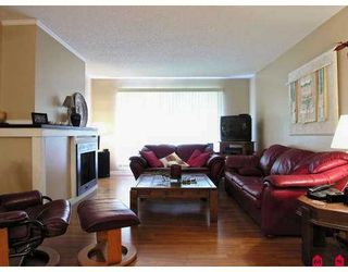 """Photo 3: 317 13507 96TH AV in Surrey: Whalley Condo for sale in """"Parkwoods"""" (North Surrey)  : MLS®# F2618545"""