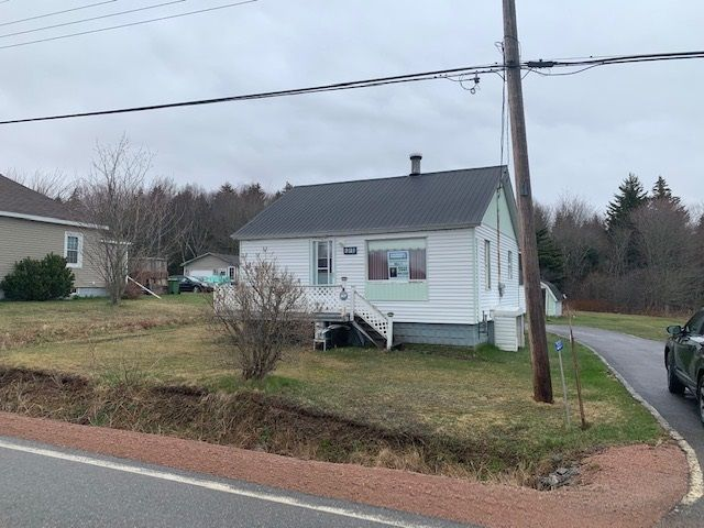 Main Photo: 231 242 Highway in Joggins: 102S-South Of Hwy 104, Parrsboro and area Residential for sale (Northern Region)  : MLS®# 202002580