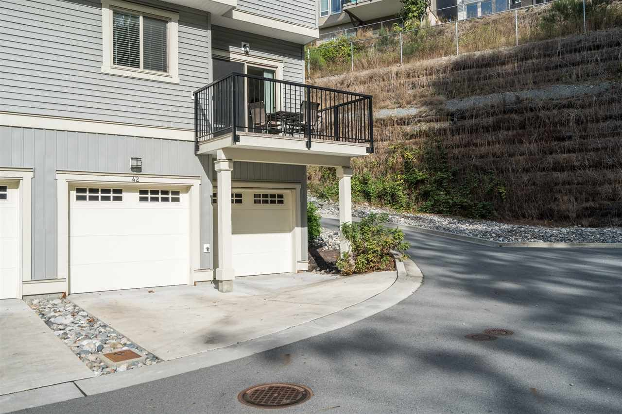"Photo 30: Photos: 42 34230 ELMWOOD Drive in Abbotsford: Central Abbotsford Townhouse for sale in ""TEN OAKS"" : MLS®# R2501770"