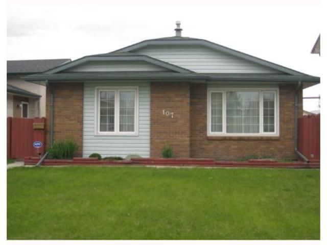 Main Photo: 107 WENDON Bay in WINNIPEG: Maples / Tyndall Park Residential for sale (North West Winnipeg)  : MLS®# 2910503