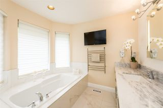 """Photo 10: 40 2951 PANORAMA Drive in Coquitlam: Westwood Plateau Townhouse for sale in """"STONEGATE ESTATES"""" : MLS®# R2285642"""