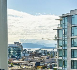 """Photo 7: 1005 1316 W 11TH Avenue in Vancouver: Fairview VW Condo for sale in """"THE COMPTON"""" (Vancouver West)  : MLS®# R2603717"""