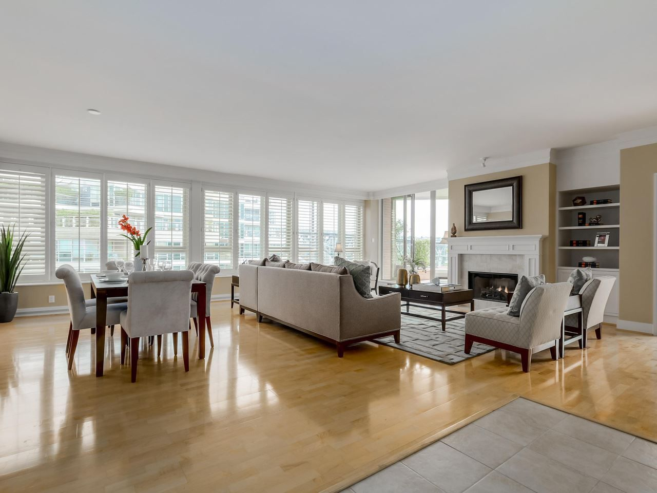 """Photo 2: Photos: 800 1675 HORNBY Street in Vancouver: Yaletown Condo for sale in """"SEAWALK SOUTH"""" (Vancouver West)  : MLS®# R2083569"""