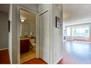 """Photo 7: 9 20159 68 Avenue in Langley: Willoughby Heights Townhouse for sale in """"VANTAGE"""" : MLS®# F1449062"""