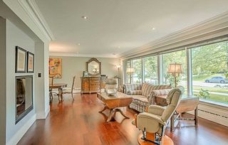 Photo 2: 59 Riverwood Parkway in Toronto: Stonegate-Queensway House (Bungalow) for sale (Toronto W07)  : MLS®# W4491035