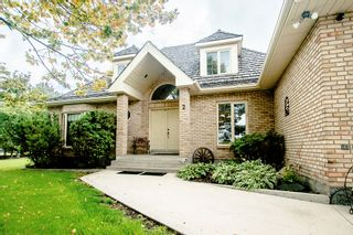Photo 2: 2 DAVIS Place in St Andrews: House for sale : MLS®# 202121450