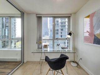 """Photo 16: 902 1495 RICHARDS Street in Vancouver: Yaletown Condo for sale in """"AZURA II"""" (Vancouver West)  : MLS®# R2570710"""