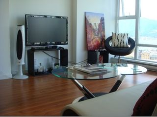 """Photo 3: 2706 668 CITADEL PARADE in Vancouver: Downtown VW Condo for sale in """"SPECTRUM"""" (Vancouver West)  : MLS®# R2000257"""